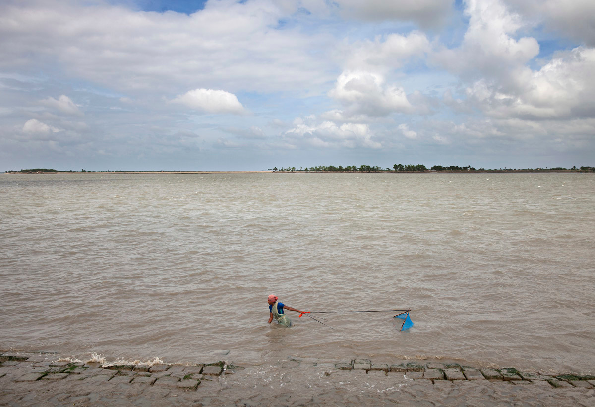 Climate Crisis: On the Shores of Bangladesh