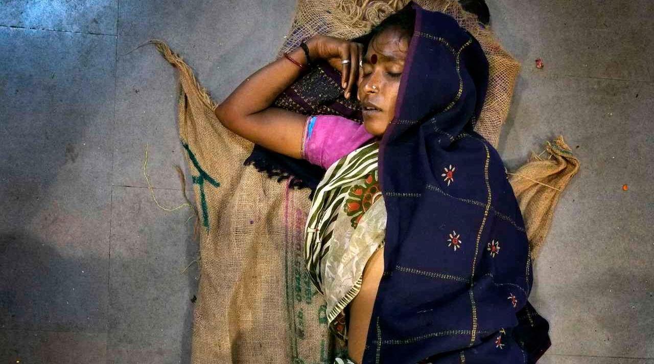 Dreamland: India's Sleeping Figures