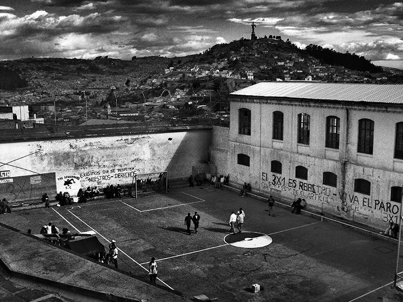 Encerrados: Latin American Prisons