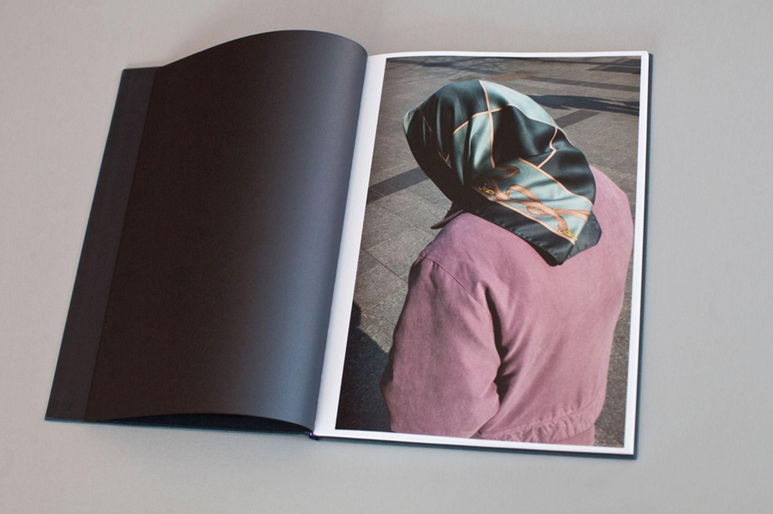 Photobook review: i
